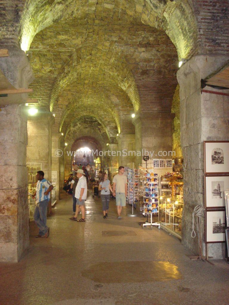 Seminterrato del pallazzo di Diocleziano