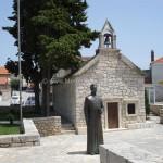 primosten-foto-statua-di-ivo-saric