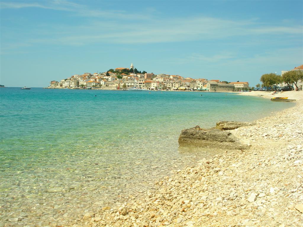 Primosten-spiaggia