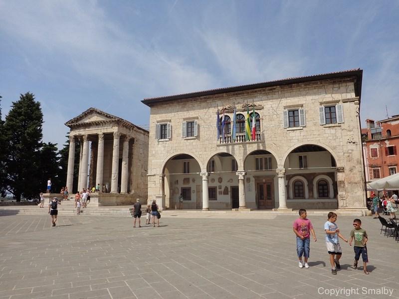 Forum Pola