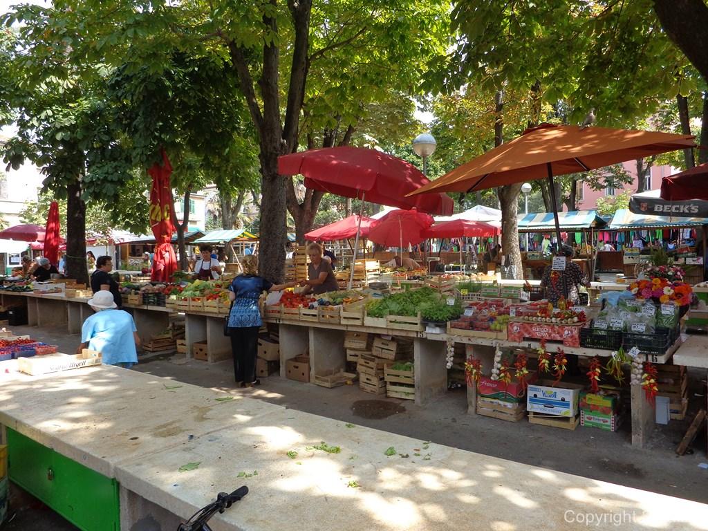 Mercato verde a Pola